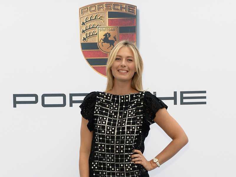 Maria Sharapova participa de evento da Porsche