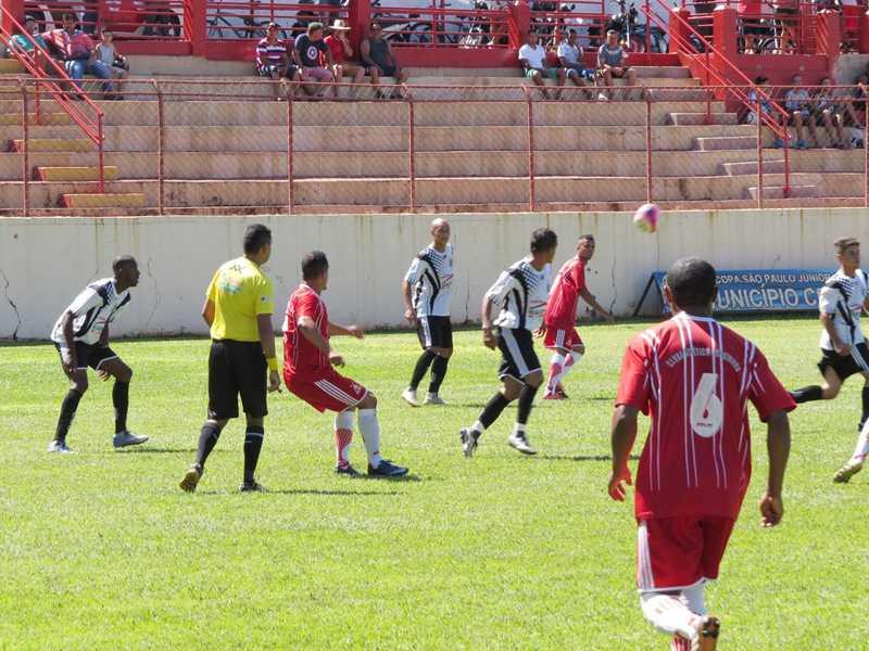 Campeonato Regional tem apresentado jogos emocionantes com o Operário em campo