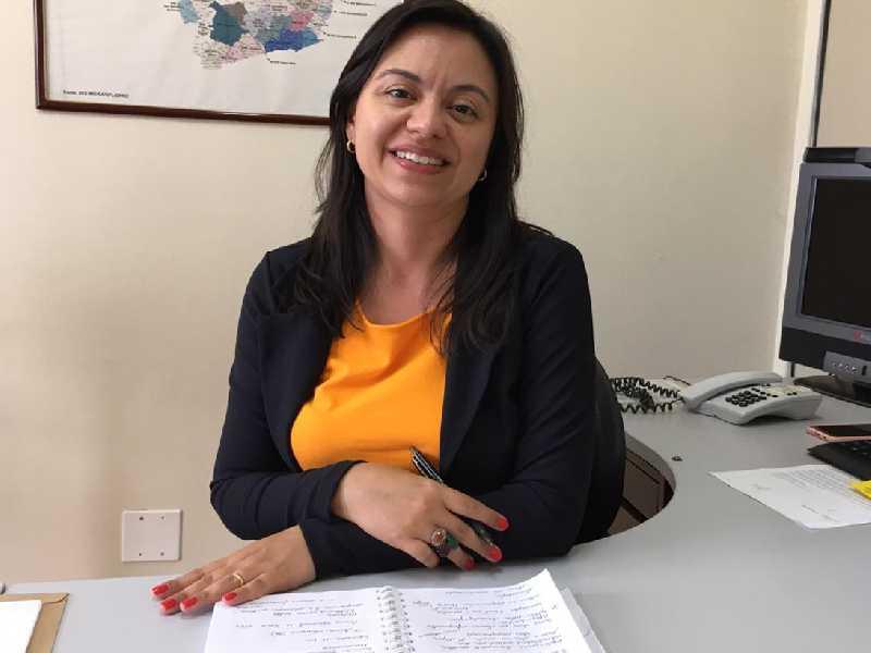 Pedagoga com pós-graduação em psicopedagogia institucional e em inspeção escolar, Maísa assumiu a 35ª SRE este ano