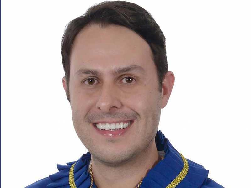 Reynaldo é escritor, membro efetivo da Academia Paraisense de Cultura, onde  ocupa a Cadeira 4, que tem como patrono o Maestro João Batista Naves