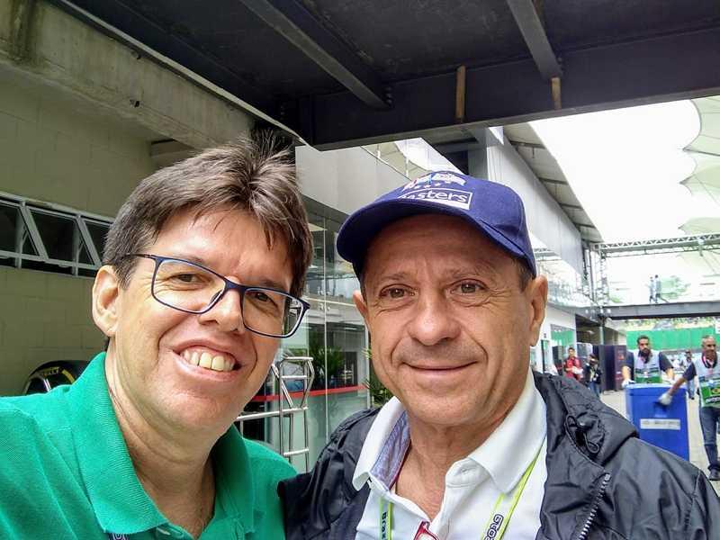 Depois do bate-papo descontraído, a tietagem com Roberto Pupo Moreno