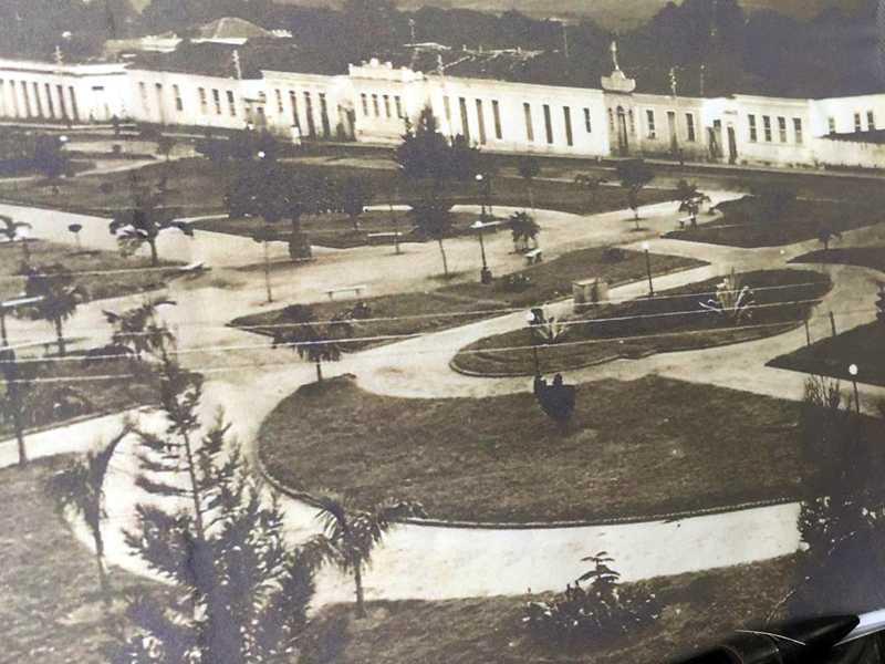 Praça Comendador João Alves (1910)  (antiga Praça da Independência)