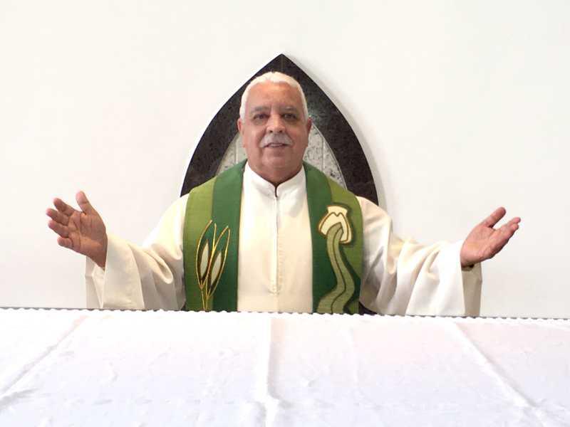 O padre da paróquia de Nossa Senhora da Abadia, Ailton Goulart Rosa