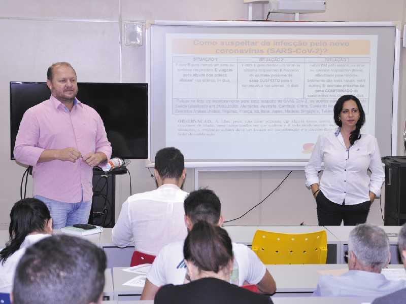 Representantes de órgãos de saúde do município foram reunidos para formar comitê e criar plano de cobate ao Covid-19
