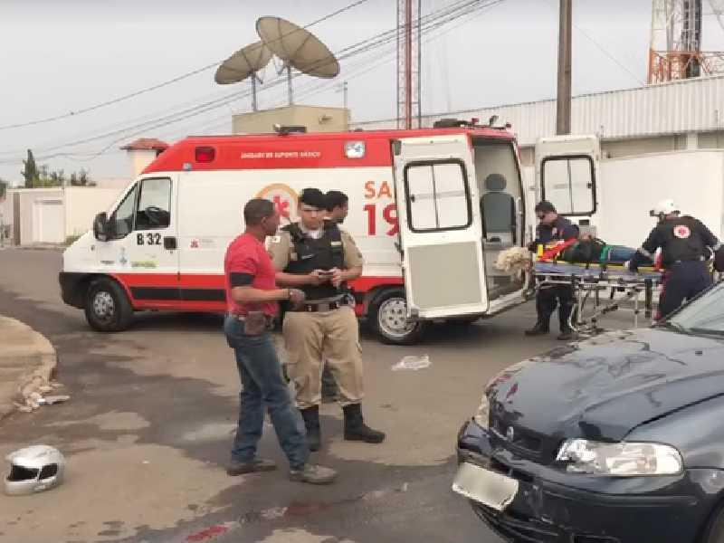 Vítimas são atendidas após acidente de trânsito em cruzamento do Jardim Europa