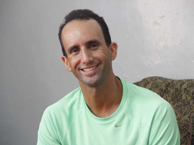 Sebastião é educador físico e hoje disputa campeonatos de paranatação