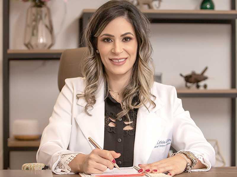 Dra Leticia de Oliveira Médica Nefrologista e  Clínica Médica Lucano Clínicas