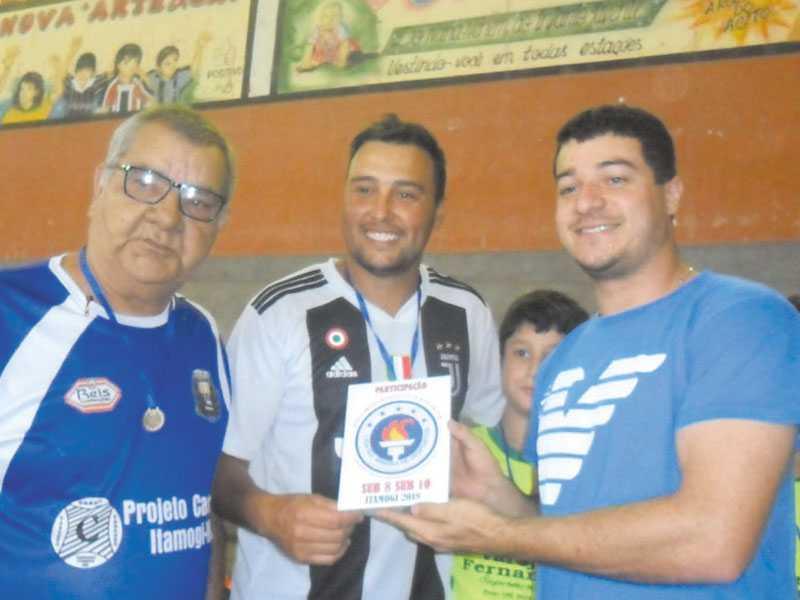 O técnico Paulo Júnior