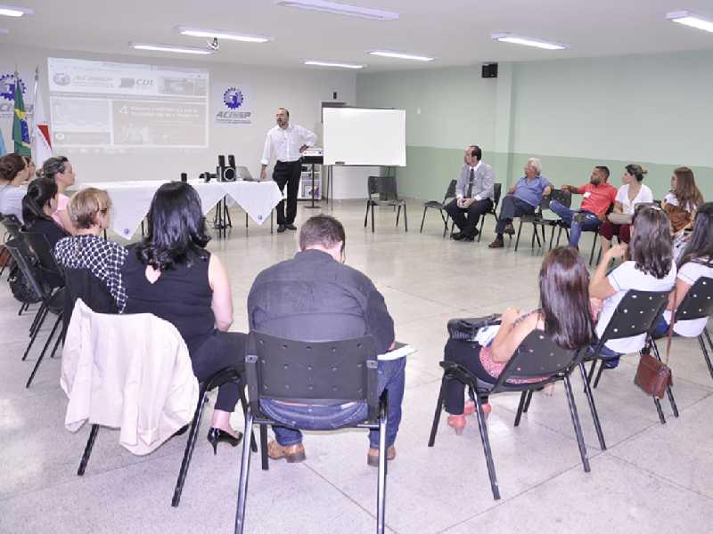 Representantes das Associações Comerciais debatem  em Paraíso soluções conjuntas para o setor