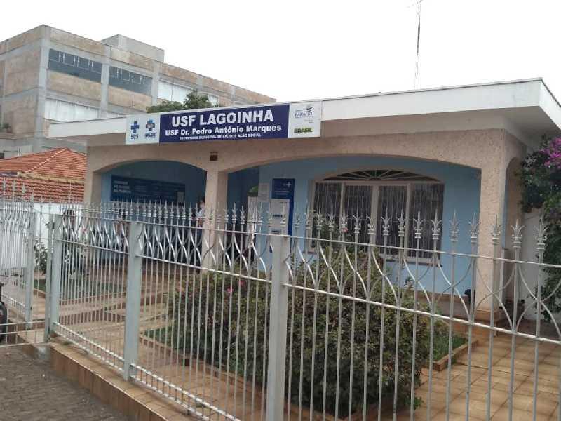Usuários do USF Dr. Pedro Antônio Marques, no Bairro Lagoinha,  pedem para concertar o telefone fixo e repor serviço médico  que tem faltado alguns dias e quando tem é só metade do dia