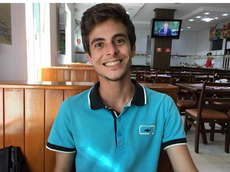 João Pedro é formado em História pela Universidade Federal de Ouro Preto e atualmente ministra aulas no Clóvis Salgado
