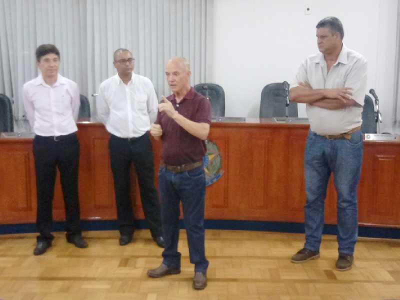 Coordenador Euripedes, professor Carlos, prefeito José Carlos e vereador Dalmon