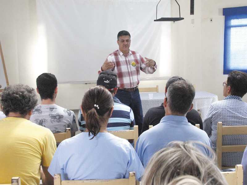 Emidinho mencionou o fechamento de hospitais psiquiátricos, citando que na região o Otto Krakauer, de Passos