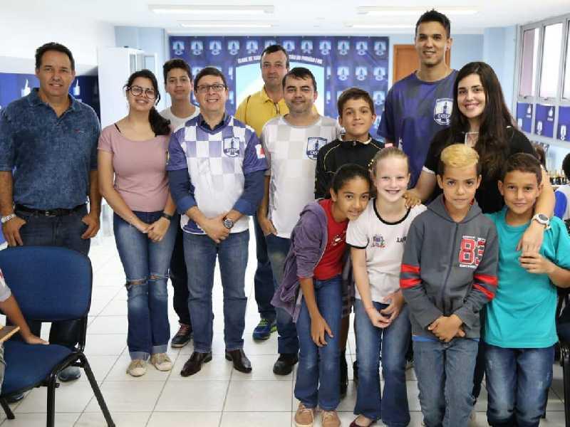 Prefeito Walker Américo Oliveira e o Secretário de Esportes, Lazer e Cultura Emerson Ramos de Mello prestigiaram o evento