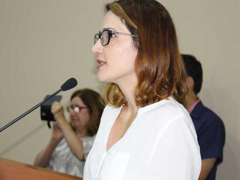 Maioria dos diretores como Elen Daiani Gonçalves, do CESEC, foram reeleitos nas escolas do Estado em Paraíso