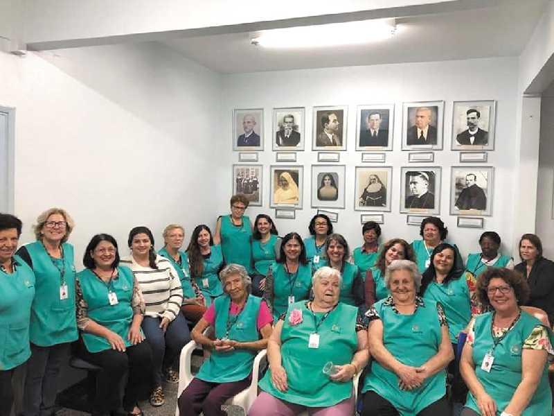 Há pelo menos 19 anos, grupo se reúne para suprir necessidades materiais e também afetiva de pacientes internados no hospital