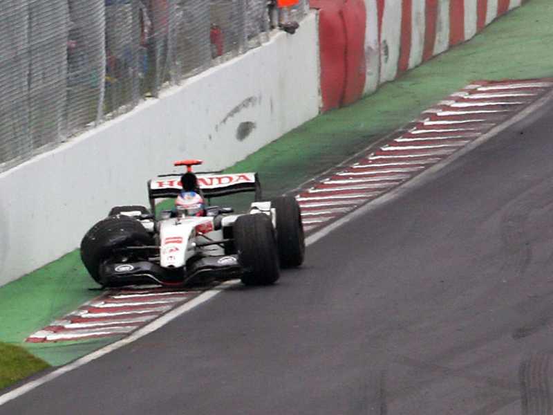 """""""Muro dos campeões"""", um dos  desafios do Circuito Gilles Villeneuve"""
