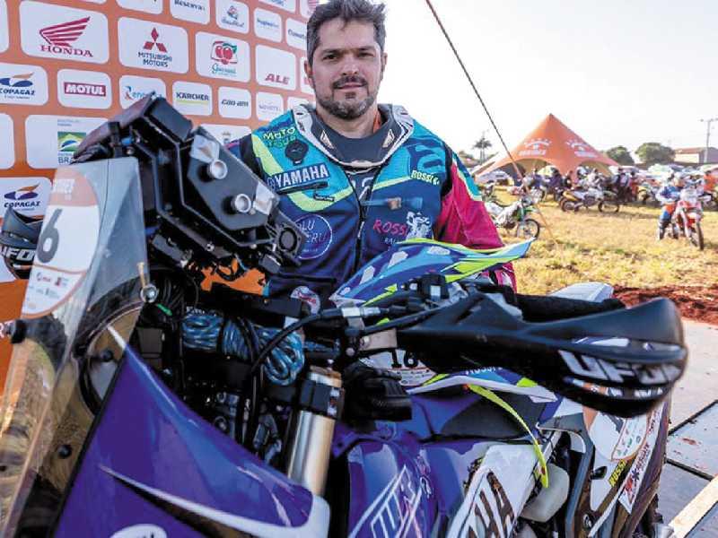 O piloto de rally, Francini Rossi, participa pela 4ª vez do Rally dos Sertões
