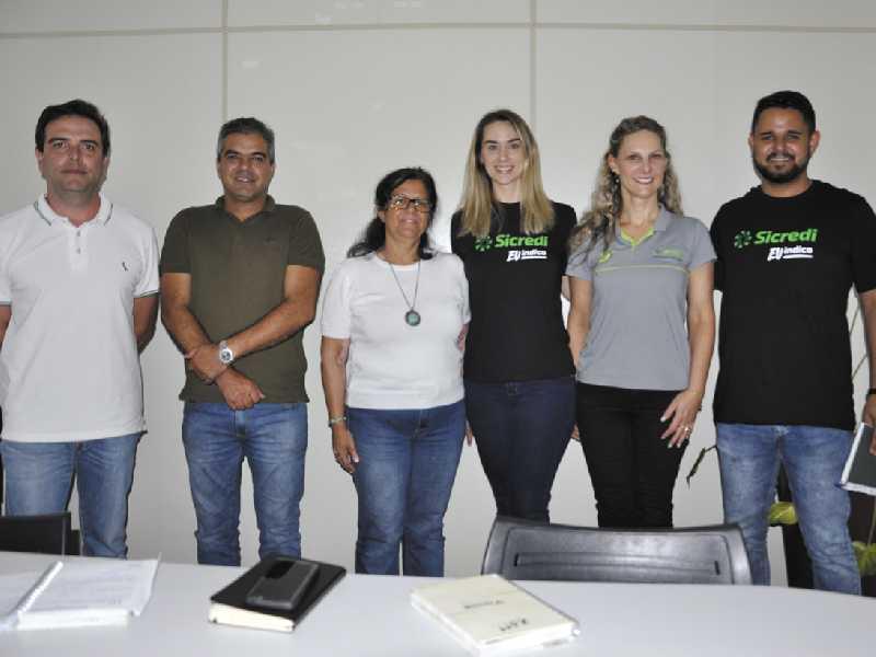 Representantes do grupo Sicredi foram apresentados aos integrantes das comunidades rurais