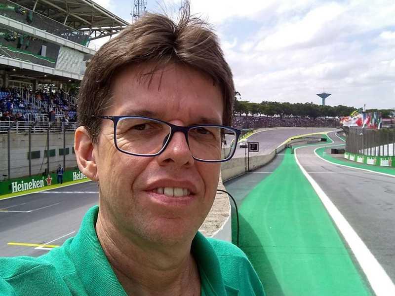 """Sérgio Magalhães muda de idade segunda, dia 9. Serginho é o responsável pela apreciada coluna Pole Position no """"JS""""."""