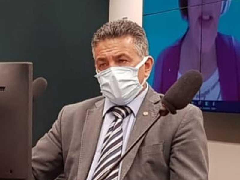 Deputado Emidinho Madeira durante audiência pública na Câmara Federal