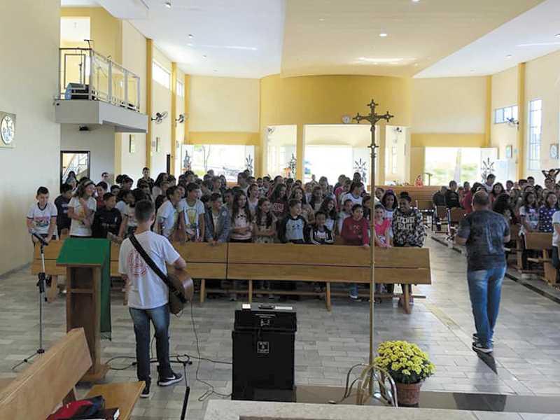 Além das missas, eventos e reuniões nas igrejas foram suspensas por tempo indeterminado