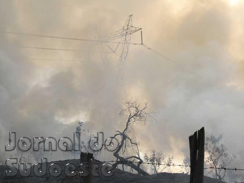 Vários pontos de incêndio foram registrados durante a tarde em Paraíso