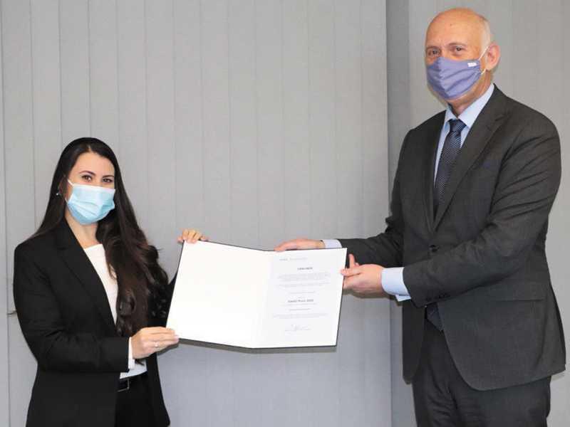 A paraisense Rosana de Fátima Duarte, e o Professor Dr. Walter Schober, presidente da Universidade de Ingolstadt, na Alemanha