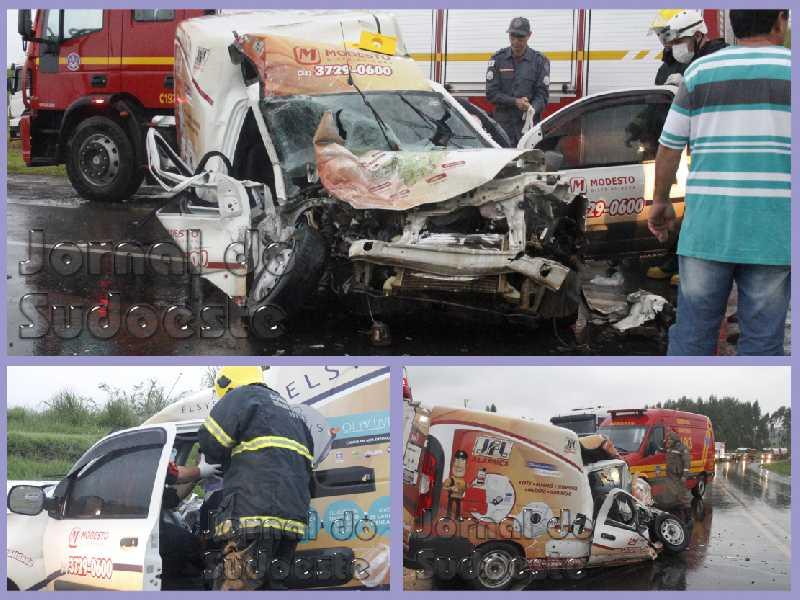 Um Fiat Fiorino com placas de Poços de Caldas rodopiou na pista e bateu de frente com uma carreta de Altinópolis (SP)
