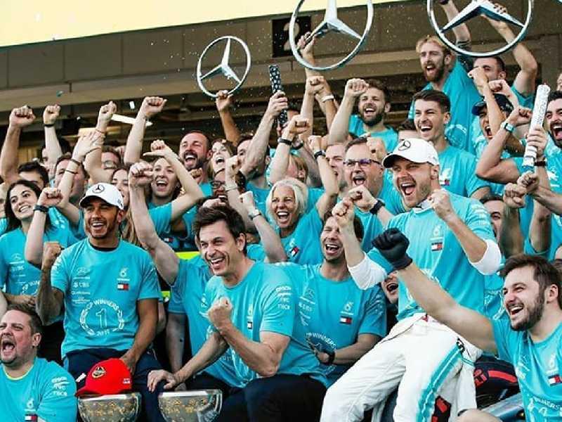 Mercedes comemora sexto título Mundial de Construtores conquistado no Japão
