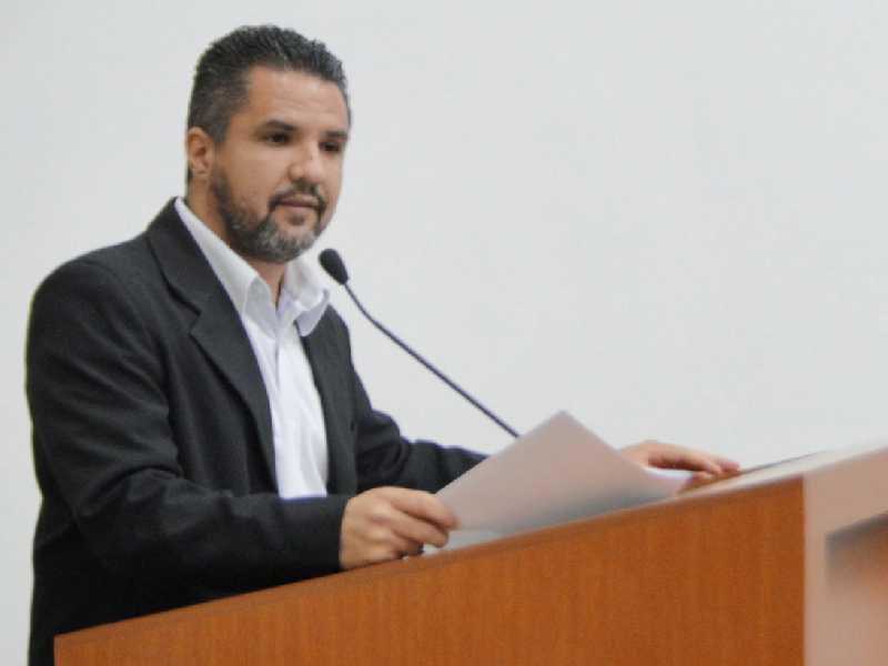 Vereador ocupou a tribuna após leitura de correspondência da Copasa informando funcionamento de elevatória do Córrego Rangel