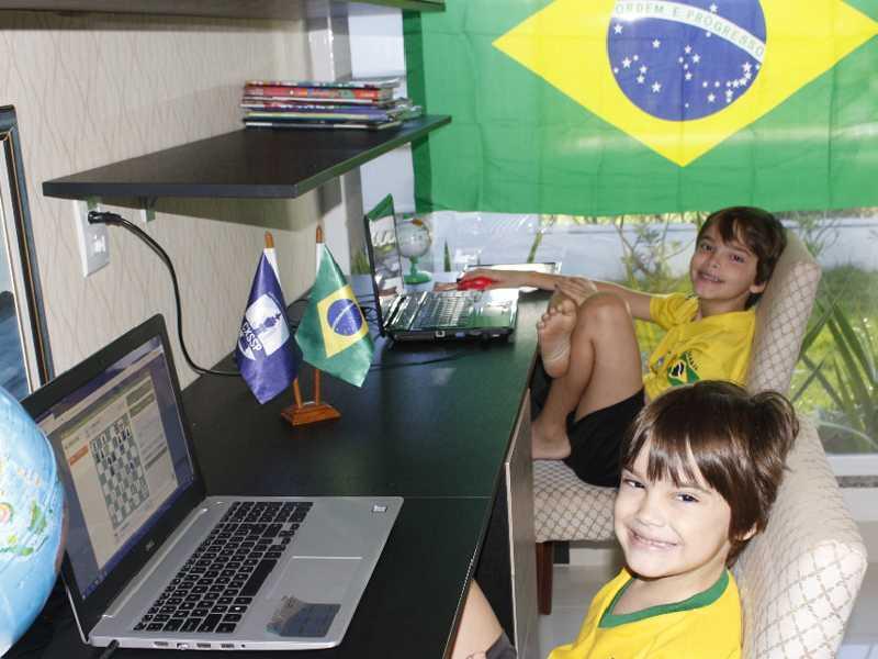 Os irmãos Tobias e Olavo disputaram importante evento online promovido pela Rússia