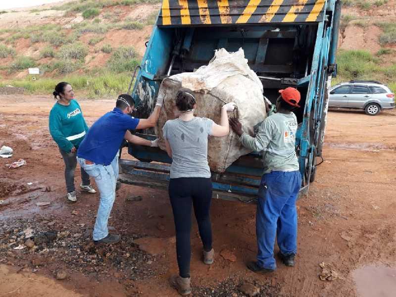 Parte do material foi separado para análise sobre o tipo de item que compõem a coleta seletiva do município