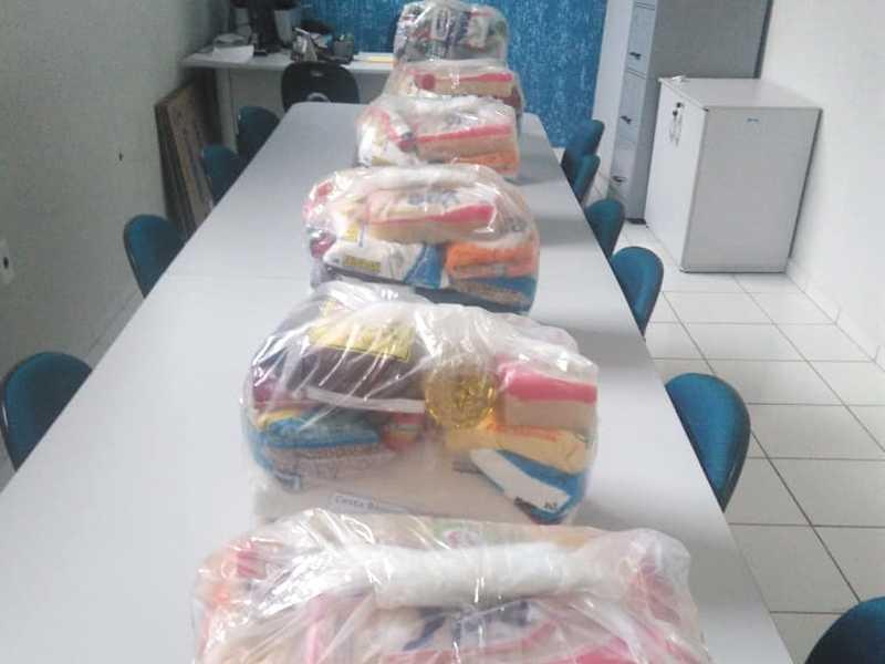 A arrecadação foi transformada em cestas básicas doadas a funcionários da Prefeitura em dificuldades financeiras