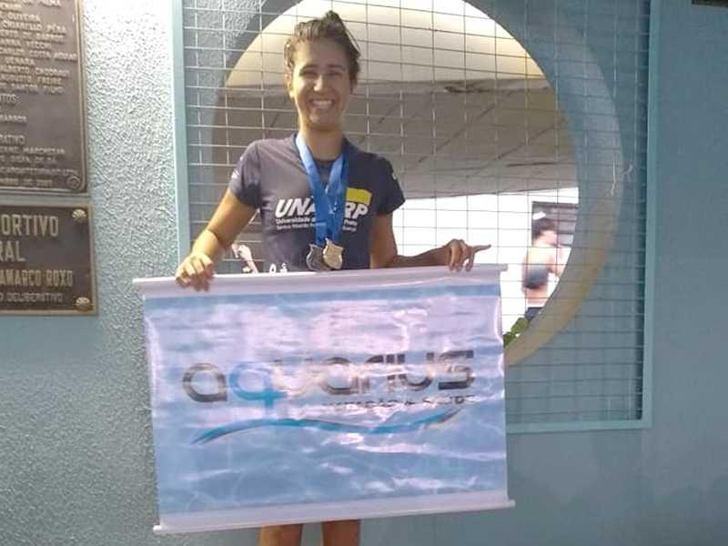 Bruna Rodrigues Araújo, atleta da Natação da Aquarius/Unaerp