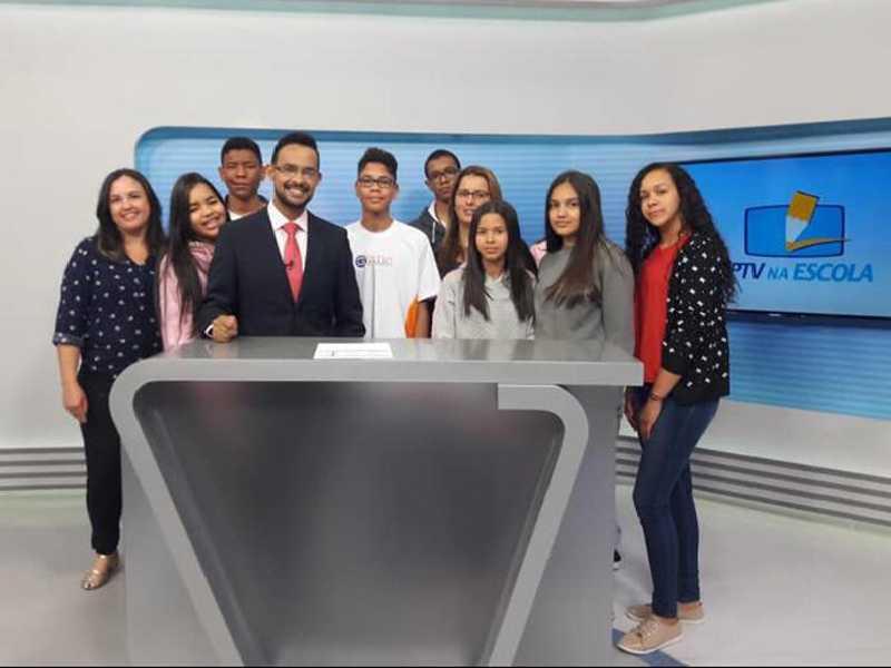 Estudantes paraisenses conheceram os estúdios da emissora do Sul de Minas  e fizeram passeios pela cidade