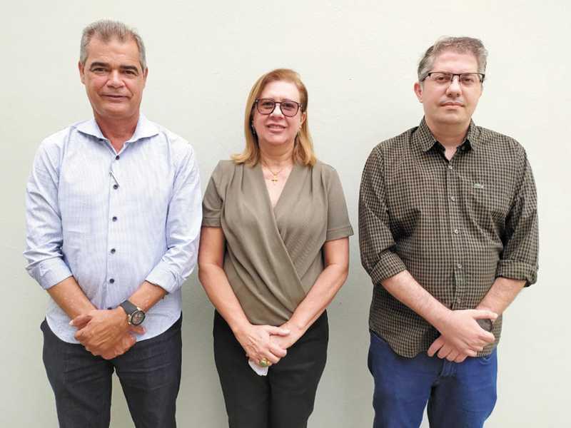 Wilson Chagas Cardoso - diretor geral, Maria Zeiva de Pádua Cardoso - diretora financeira e Luiz Carlos Cherain Júnior - diretor pedagógico