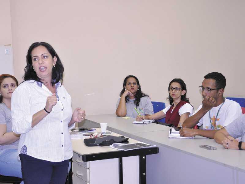 Coordenadora da vigilância alerta que população não deve descuidar de outras situações como dengue e sarampo