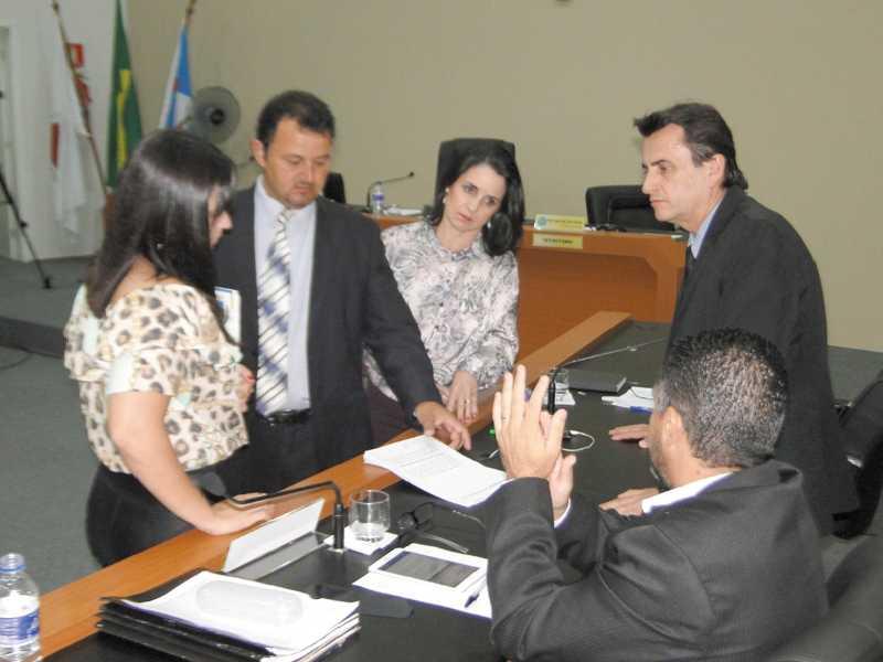 Cidadã participa de sorteio de membro de CPP para apurar denúncia contra Walkinho