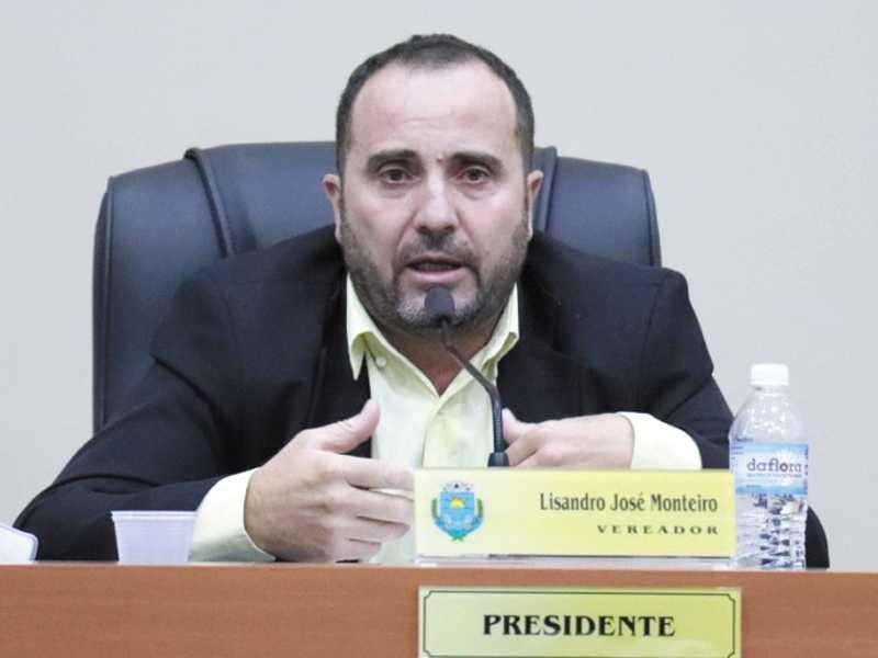 Lisandro comunicou que denúncia será feita ao Ministério Público