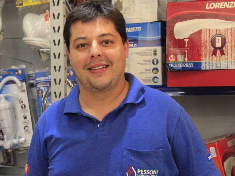 Administrador de empresas André Luiz Pessoni Sobrinho