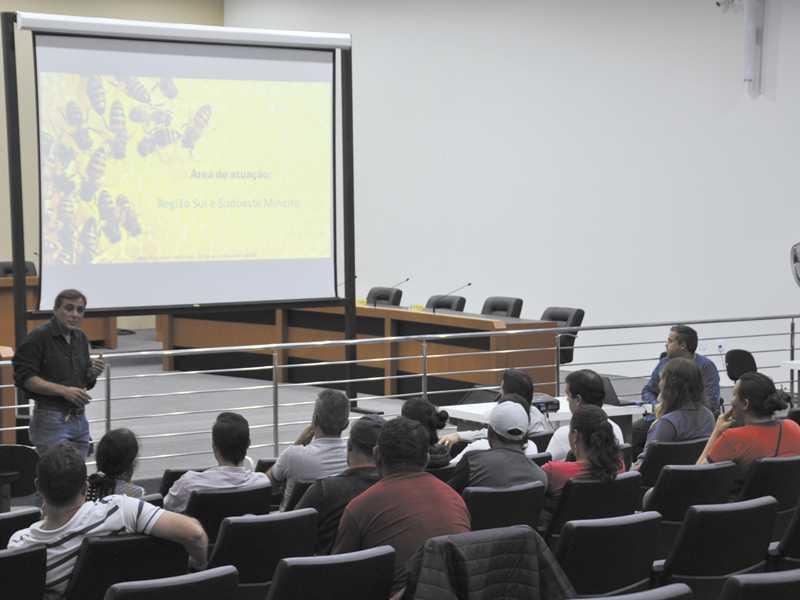 Especialista em apicultura Sávio Dutra falou sobre o novo programa disponibilizado no município