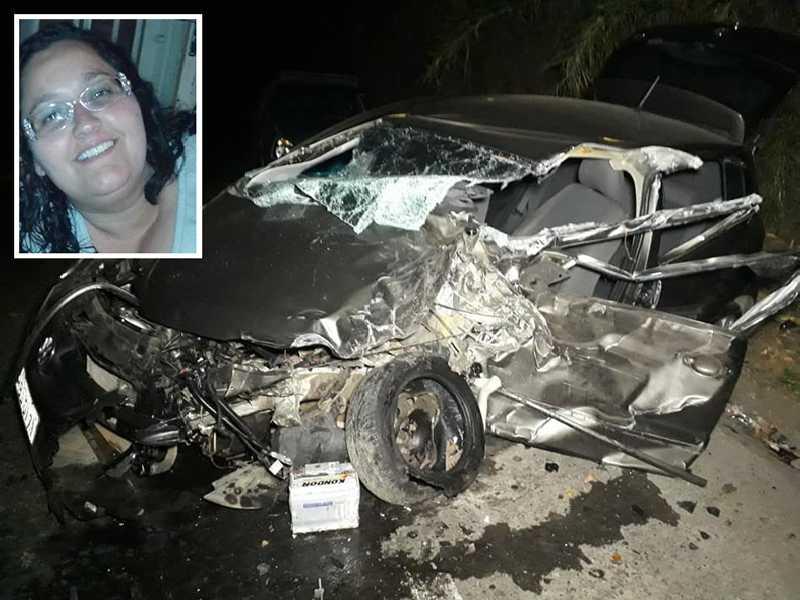 Acidente envolveu uma carreta e dois veículos de passeio resultou na morte de uma condutora de 39 anos