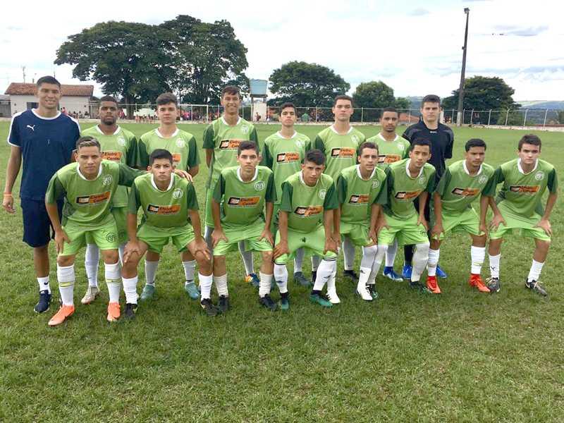 Garotada da Paraisense tem jogo decisivo neste domingo contra a Portuguesa em São Tomás
