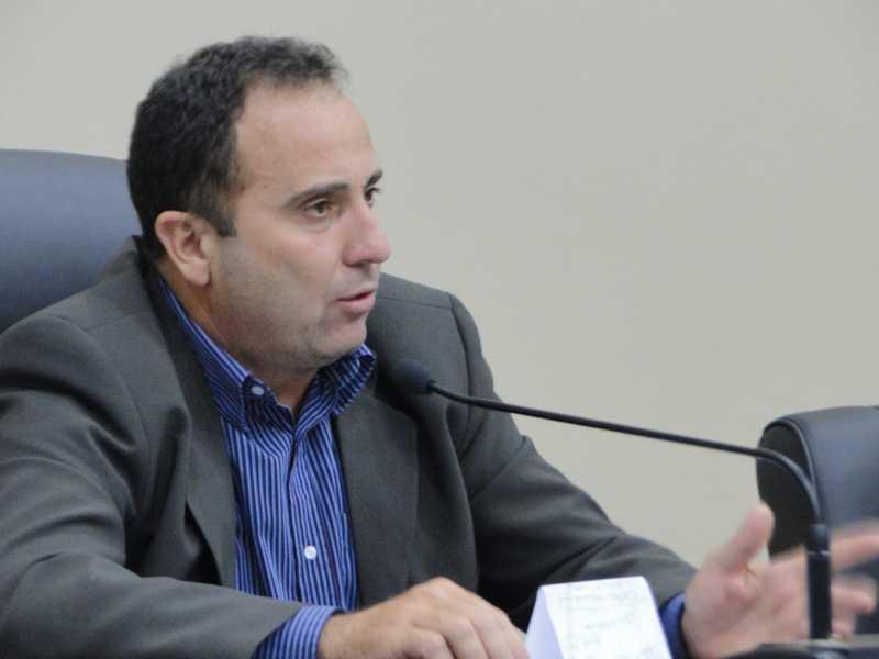 Proprietário da Zona Azul denunciou Lisandro ao MP  por estar
