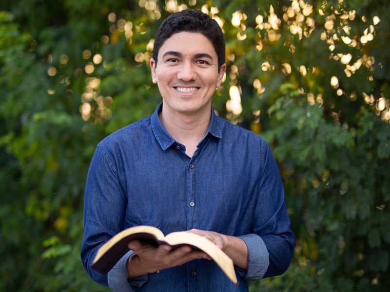 O Pastor Antônio Junior tem o canal cristão com o maior número de seguidores do mundo