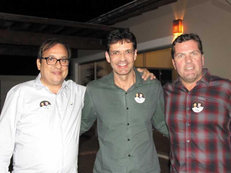 Presidente da OAB Antonio Carlos  Pelucio, Deputado Federal Marcelo  Alvaro e Dárcio Cantieri