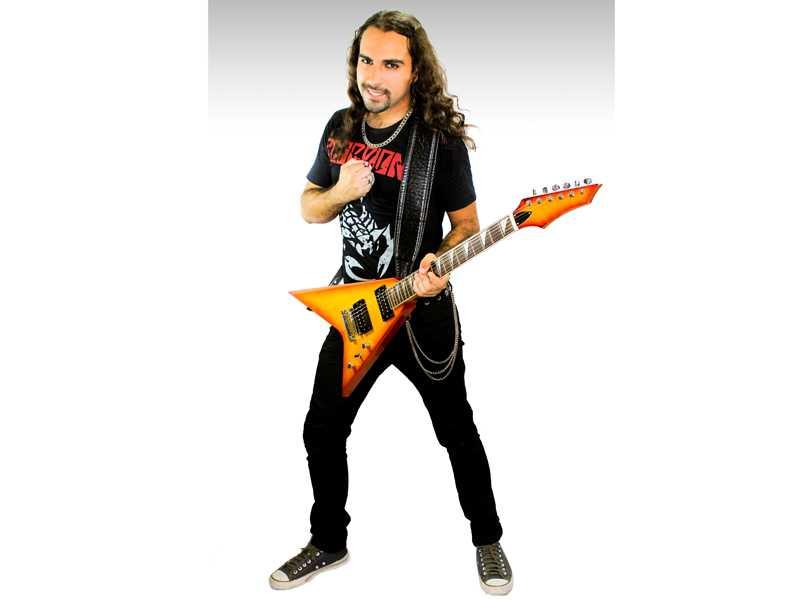 Músico, professor e produtor musical Maycon Priorato