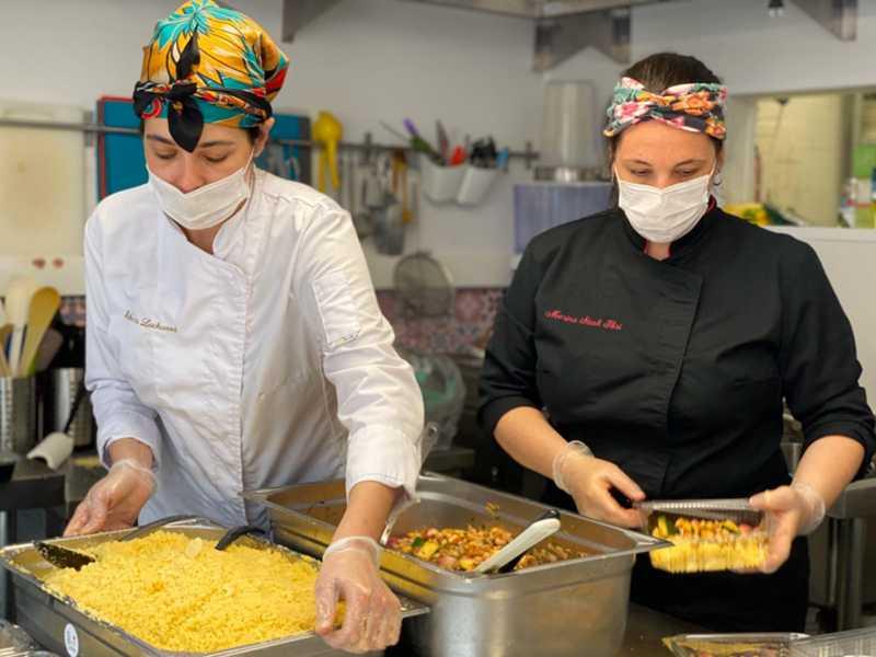 Rebecca Lockwood-Cabot (Top Chef Brasil 2019) e Marina Stroh Ibri (La Brigaderie de Paris)