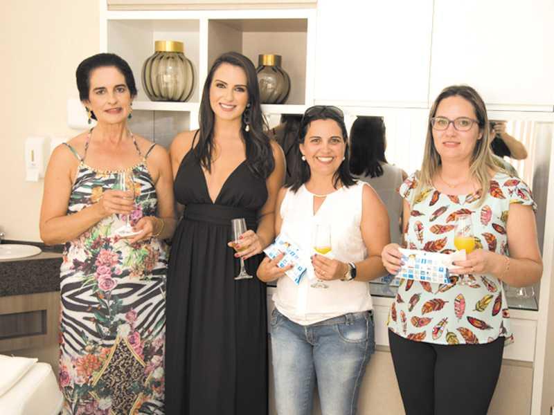 Christina, Dra. Christiane, Cláuda e Elizabete